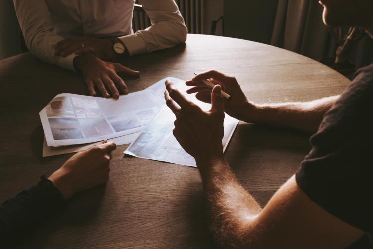 The Right Way to Pitch Venture Capitalists